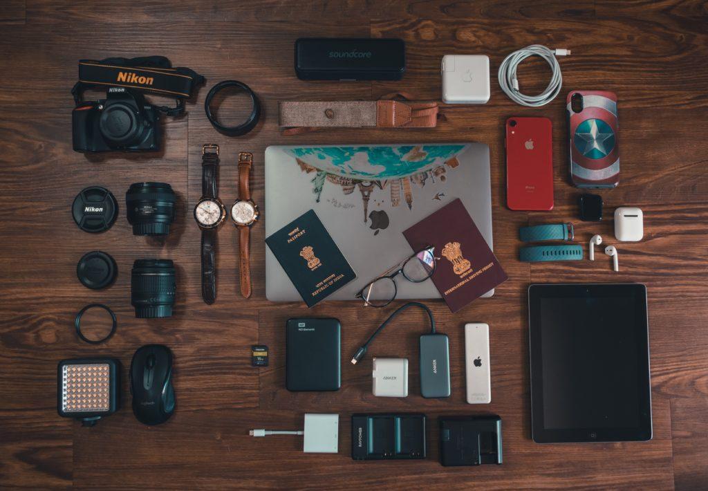 カメラやパソコンなどの電子機器